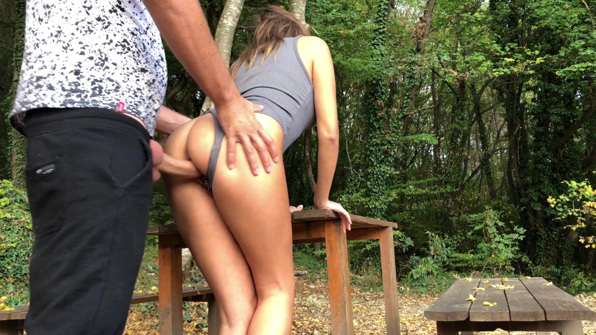 Секс В Парке Молодой Парочки Порно Хд Онлайн